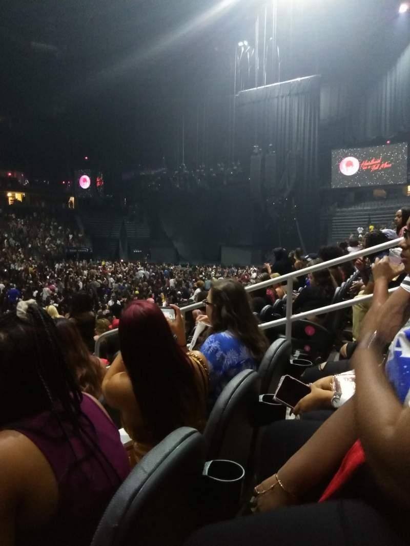 T-Mobile Arena, vak: 14, rij: G, stoel: 9