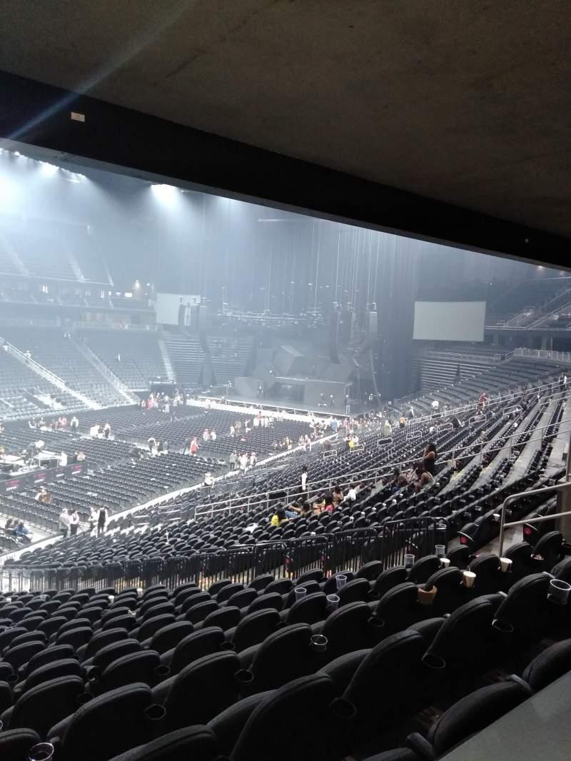 T-Mobile Arena, vak: 13, rij: Table 3, stoel: Box Seat