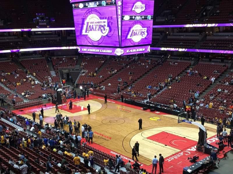 Honda Center, vak: 428, rij: A, stoel: 15