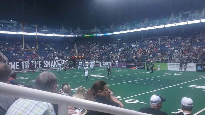 Greensboro Coliseum, vak: 127, rij: CC, stoel: 14