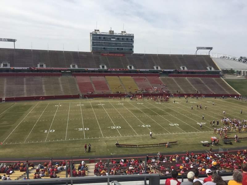 Jack Trice Stadium, vak: V, rij: 9, stoel: 1