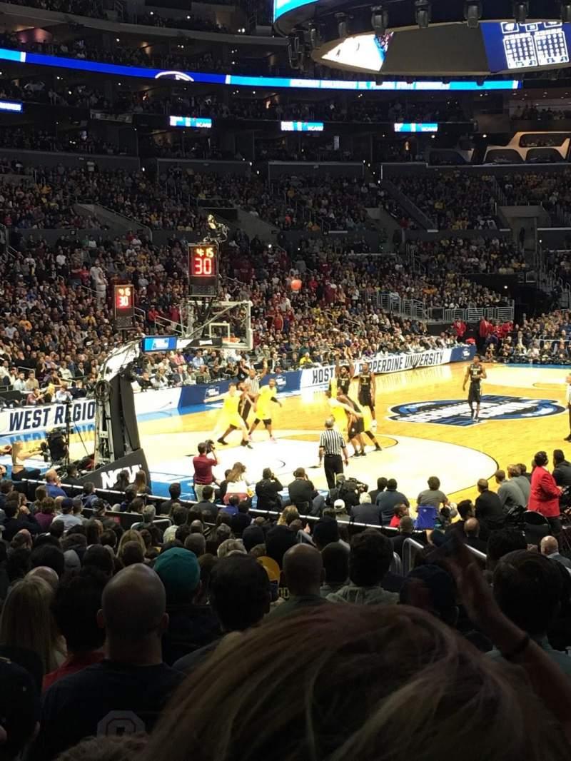 Staples Center, vak: 105, rij: 16, stoel: 7