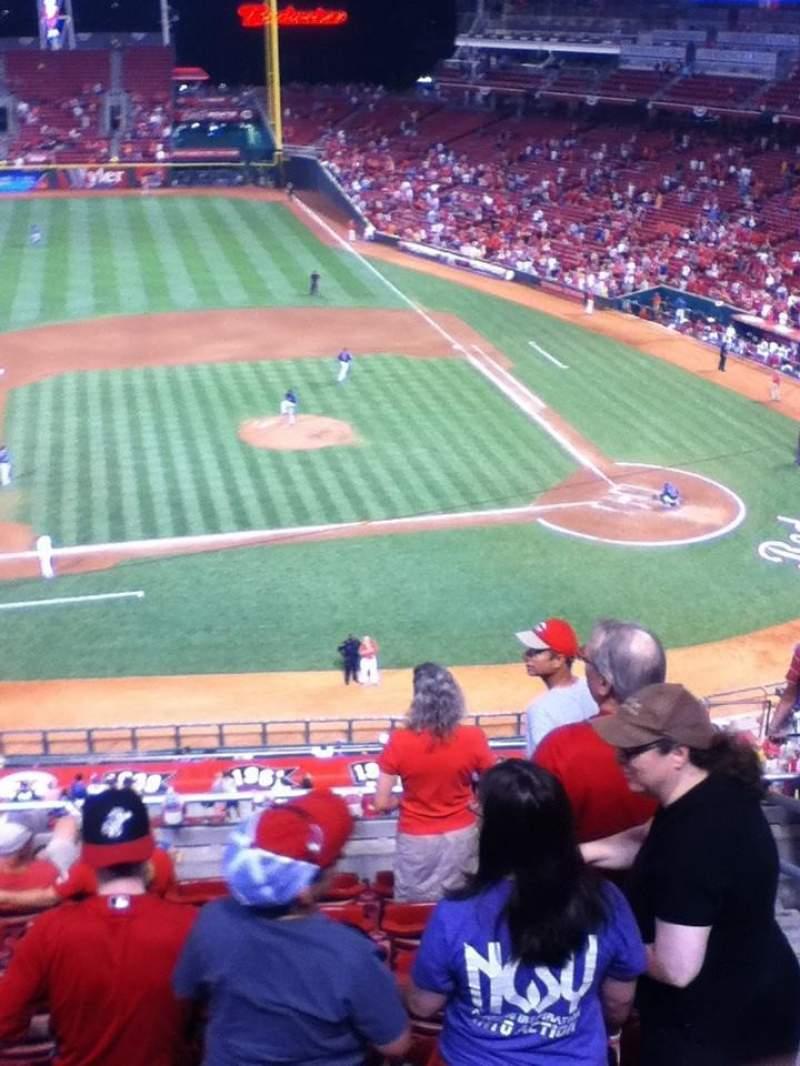 Great American Ball Park, vak: 417, rij: H, stoel: 3