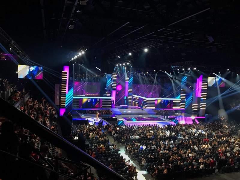Mandalay Bay Events Center, vak: 211, rij: E, stoel: 7