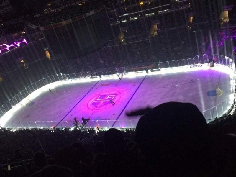 Staples Center, vak: 315, rij: 11, stoel: 15