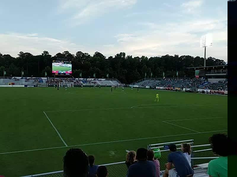 WakeMed Soccer Park, vak: 402, rij: h, stoel: 10