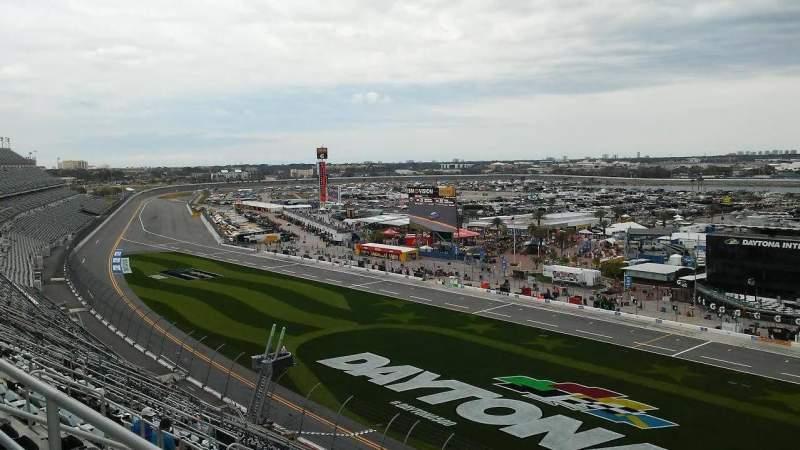 Daytona International Speedway, vak: 462, rij: 42, stoel: 10