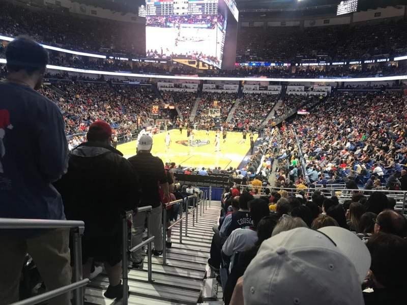 Smoothie King Center, vak: 117, rij: 22, stoel: 17