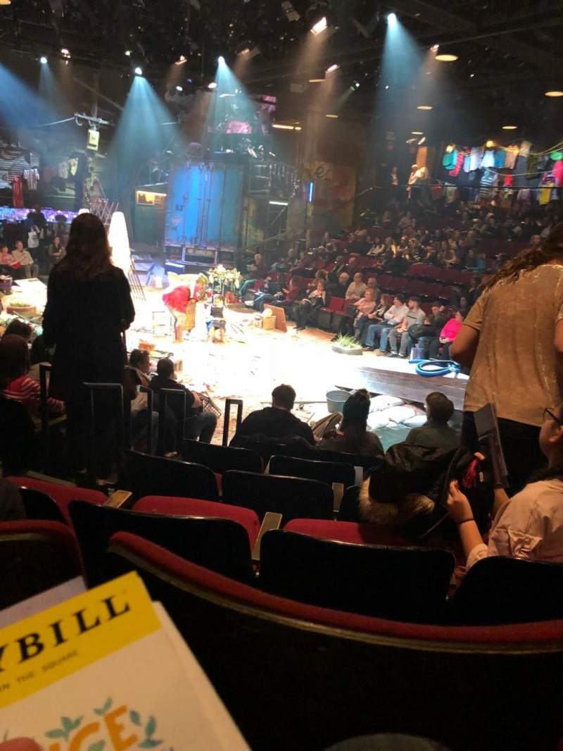 Circle in the Square Theatre, vak: Orch, rij: E, stoel: 127