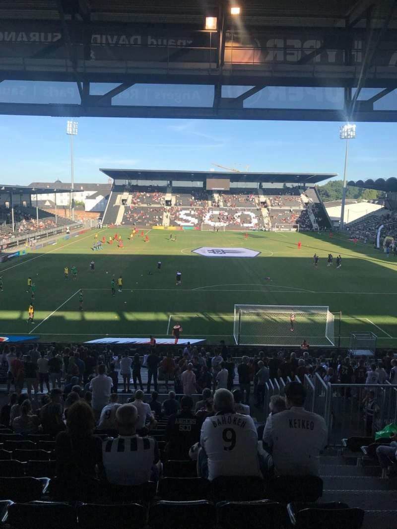 Uitzicht voor Stade Raymond Kopa Vak Coubertin Rij AD Stoel 110